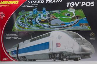 Железная дорога TGV Pos с ландшафтом