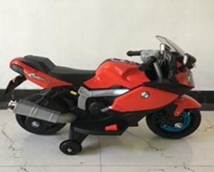 Мотоцикл на аккум. 6V4,5AH*1, 1 мотор, 2 скорости, боковые колеса, свет/звук, MP3 разъем, разм. 88*42*56, цвет - красный